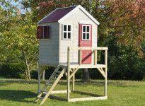 Abri en bois pour enfant sur pilotis