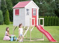 Maisonnette enfant avec toboggan