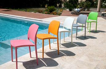 Métal, bois, transparente ou encore pliante…. à chaque pièce sa chaise !