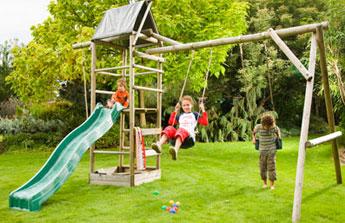 Portiques de jeux et cabanes pour enfant