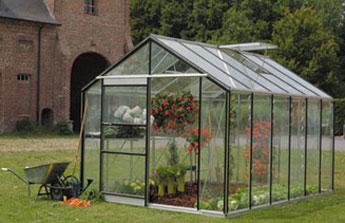 Adoptez une serre de jardin pour cultiver les joies du jardinage comme un pro