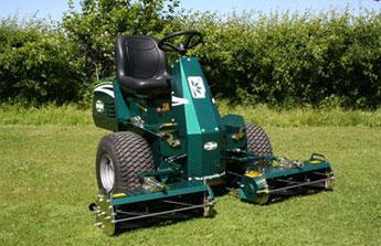 Pour bien entretenir son jardin, choisissez les outils adaptés !
