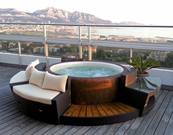 le jacuzzi l astuce infaillible pour se d tendre blog ma maison mon jardin. Black Bedroom Furniture Sets. Home Design Ideas