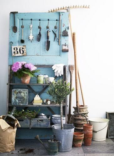 Espace de rangement pour outils de jardinage