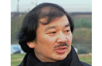 Shigeru Ban : le parcours d'un architecte humaniste à la renommée mondiale