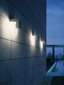 1001 lumi res pour sublimer votre jardin la nuit tomb e for Luminaire exterieur facade design