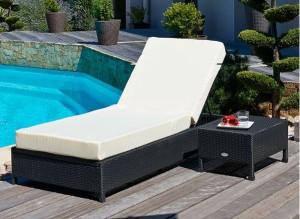 Les 10 accessoires indispensables pour la piscine blog for Transat piscine resine tressee