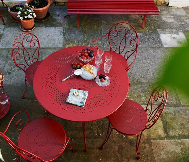 salon de jardin fer forgé rouge