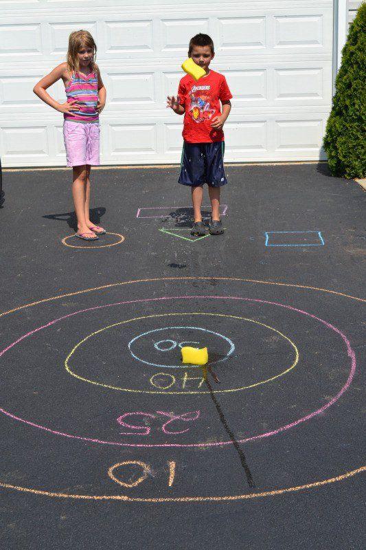 jeu à la craie au sol pour les enfants