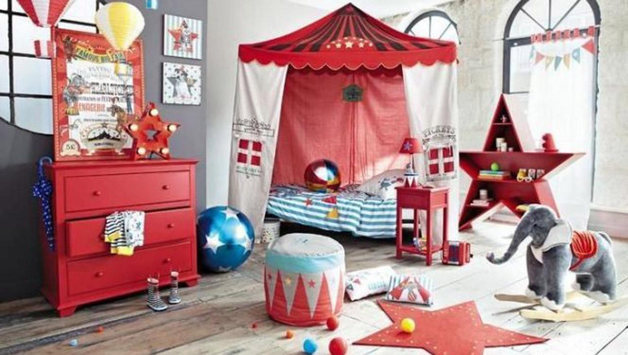 Chambre cirque enfants spectacle