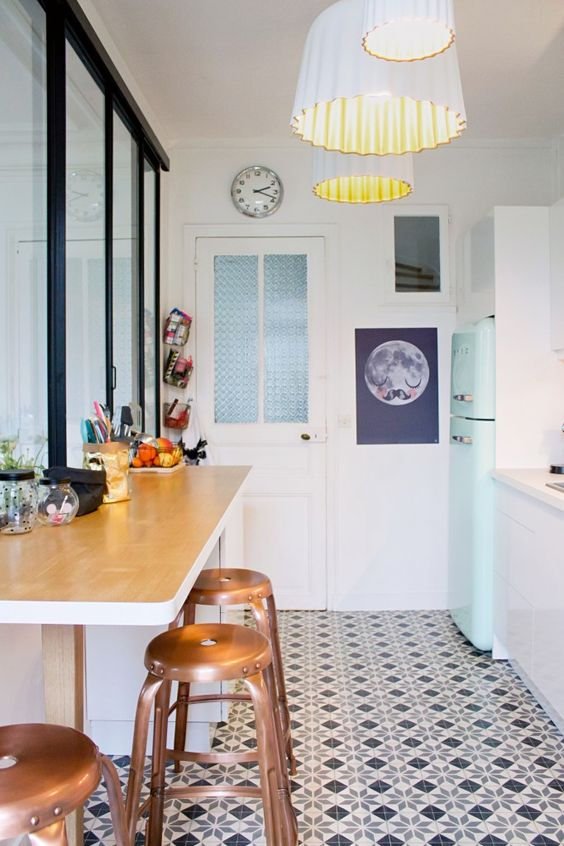 Ambiance vintage faites revivre les ann es 50 dans votre for Mobilier de cuisine retro
