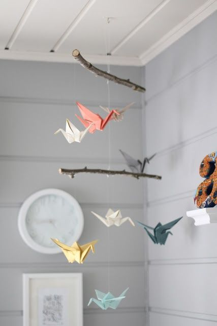 mobile bébé DIY papier oiseaux multicolores