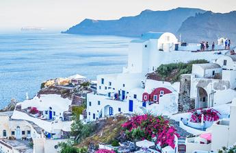 Maisons blanches en Grèce, une architecture qui nous séduit !