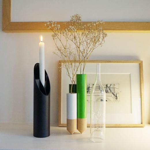 Bougeoir et bouteille design à installer partout une lampe design pour illuminer vos objets
