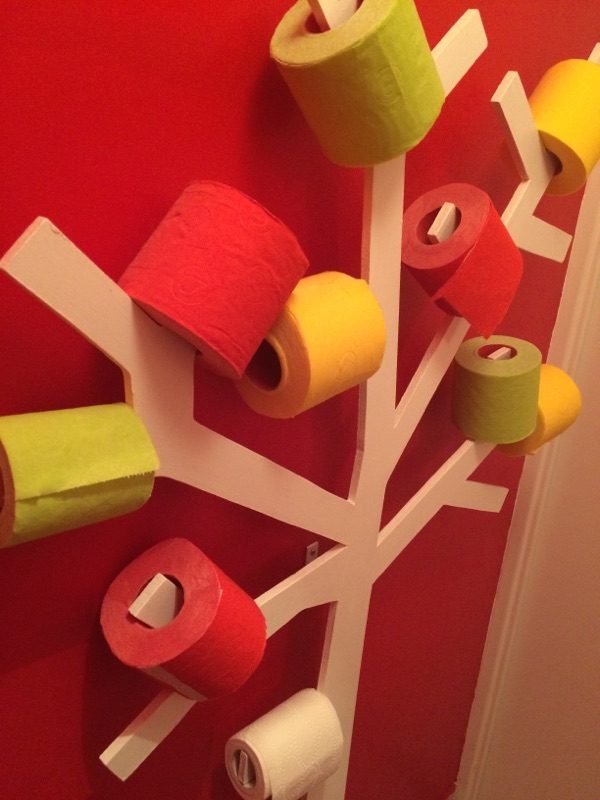 Et si vous installiez un PQtier dans vos toilettes ? Un arbre à PQ ? Les idées insolites de Ma Maison Mon Jardin !