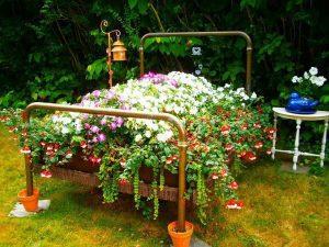 Lit de jardin et lit de fleurs pour une décoration insolite dans votre jardin !
