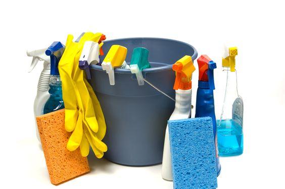 Les produits ménagers : risque majeur pour votre enfant. Attention, sécurité !
