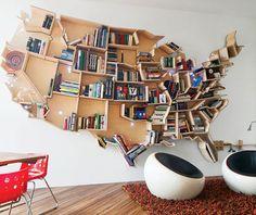 Les États-Unis en étagères bois pour ranger livres et bibelots.