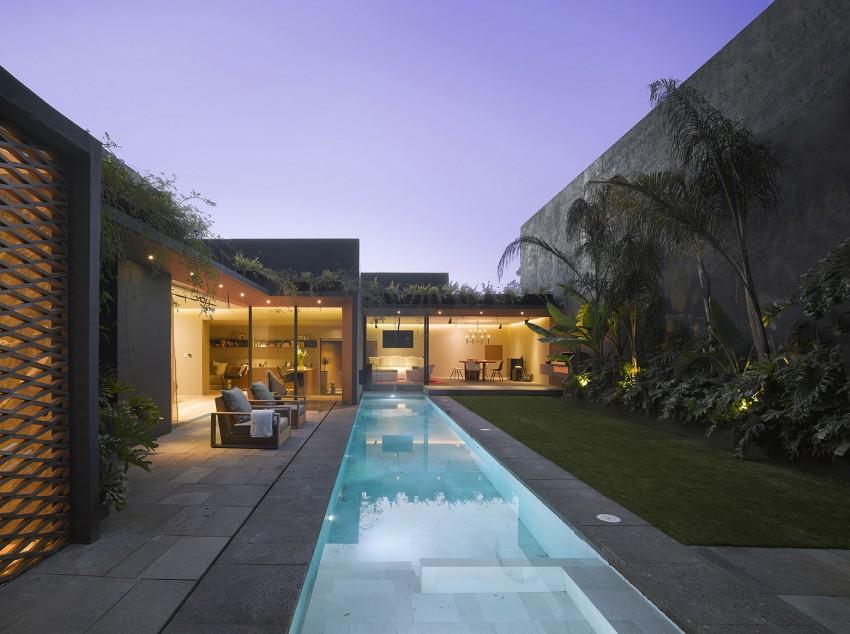 Un couloir de nage dans une maison design : une touche esthétique et tendance !