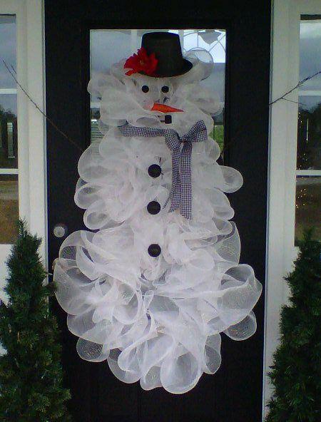 un bonhomme de neige en tulle au milieu du salon : une déco de Noël ratée !