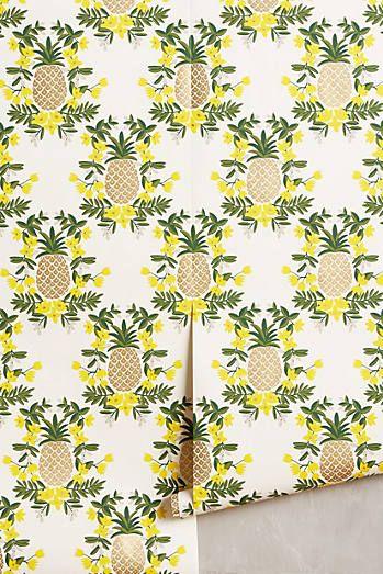 Un papier peint ananas : l'insolite faute de goût !