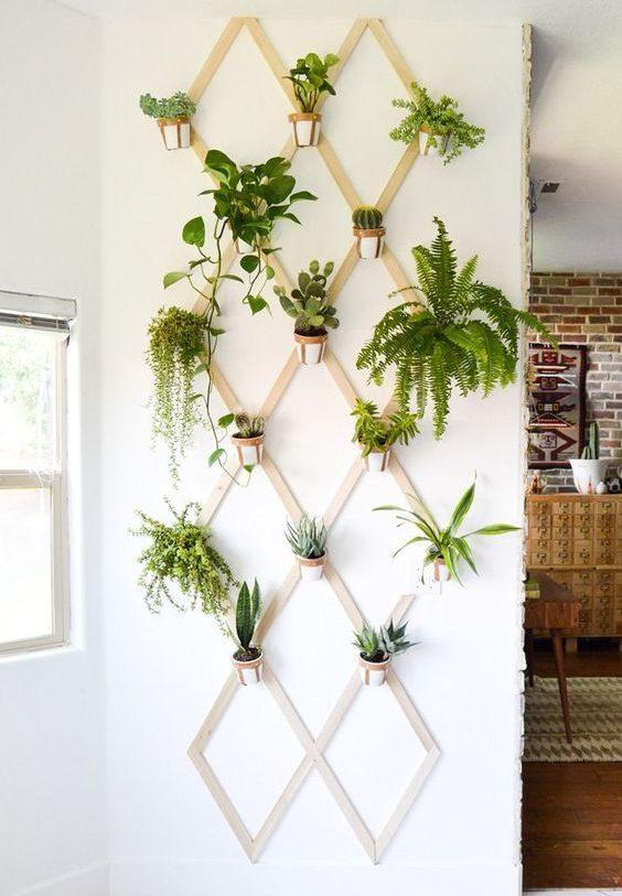 Un mur zen et déco grâce aux fleurs et végétaux