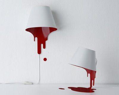Des lampes blanche et rouge, ultra design et ensanglantée