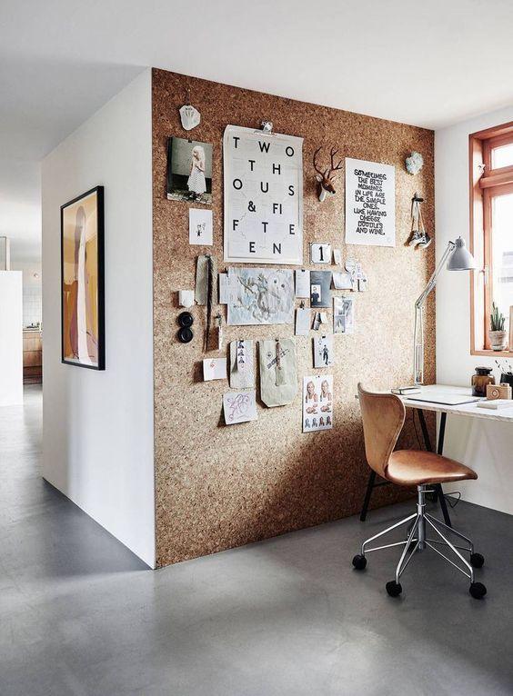 Un coin bureau dans le salon