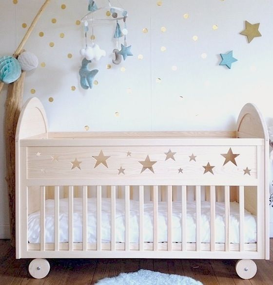 Lit sécurisé à barreaux pour bébé