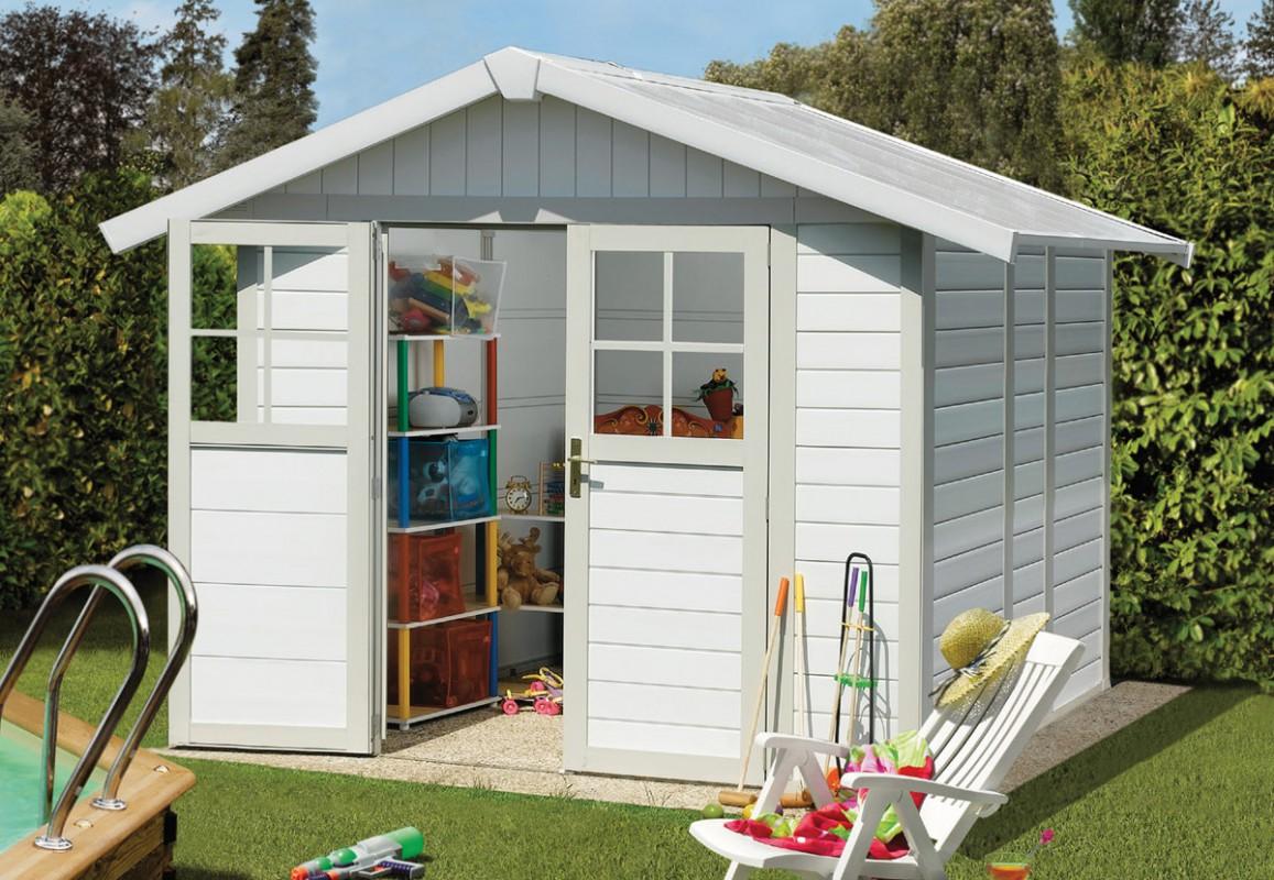 un abri jardin PVC pour ranger son mobilier de jardin