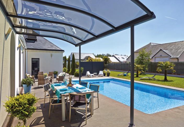 Abri terrasse aluminium métal pour bord de piscine