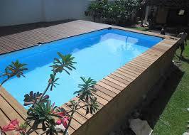 Possibilité d'ajouter du bois pour une piscine semi-enterrée