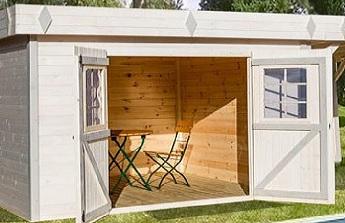 L'exemple d'un abri mi-terrasse couverte, mi-salon d'intérieur