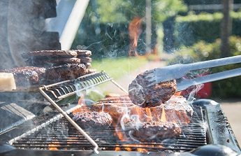 Il vous faut un abri barbecue !