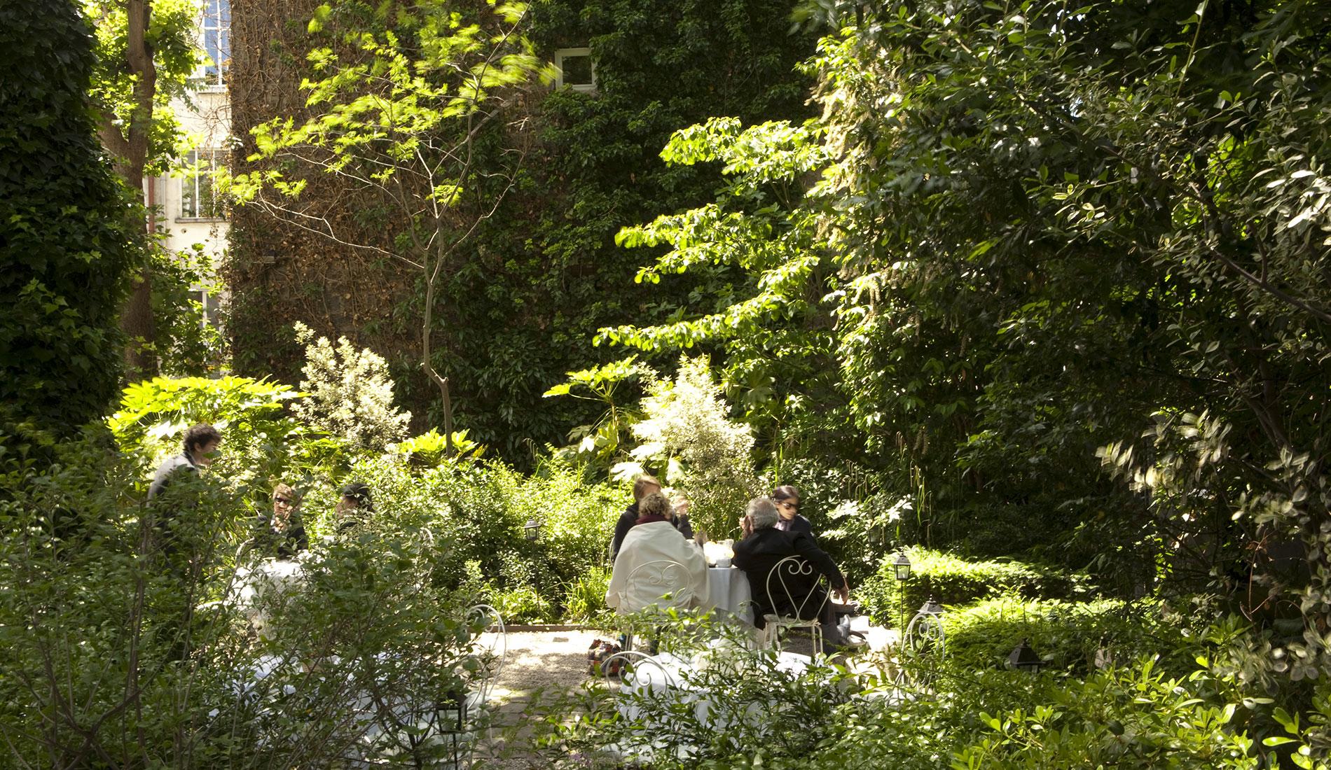 La nature au coeur de Montmartre pour cet hôtel particulier