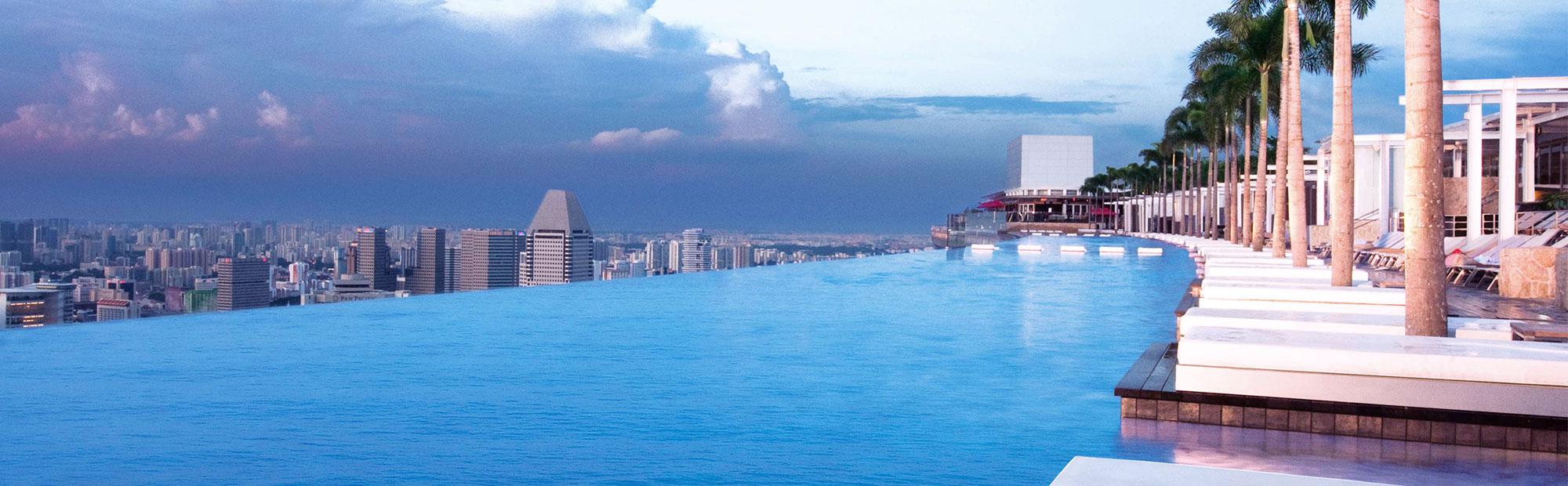 Top 13 des plus belles piscines du monde naturelles for Hotel singapour piscine