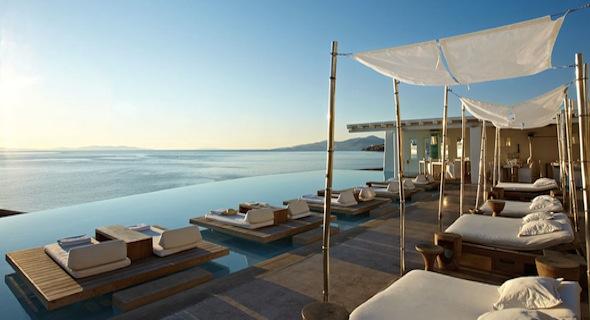 Hotel Cavo Tagoo et sa vue surplombant la mer Egée