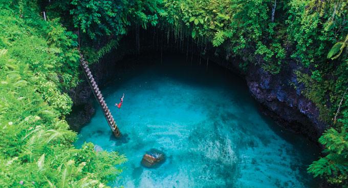 Une piscine naturelle dans les îles Samoa